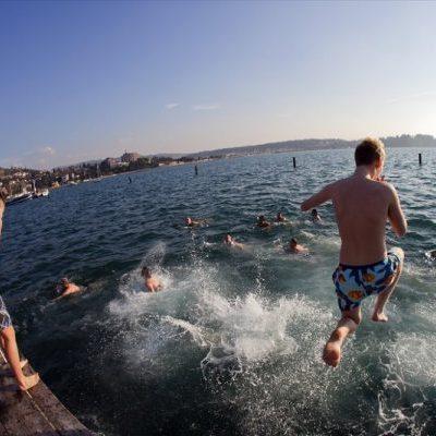 Новогодний прыжок в море